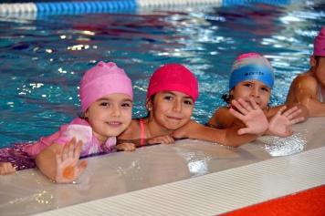 Yarı Olimpik Havuzda Yüzme Kursları Başladı Galeri