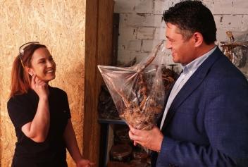 Ağaç oyma ürünleri Aliağa'dan dünyaya satıyor  Galeri