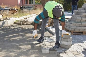 Aliağa Belediyesi Yeni Şakran'da Yolları Yeniliyor Galeri